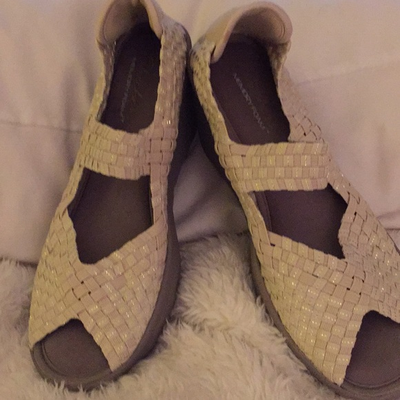 Skechers Stretch Weave Wedge Sandals